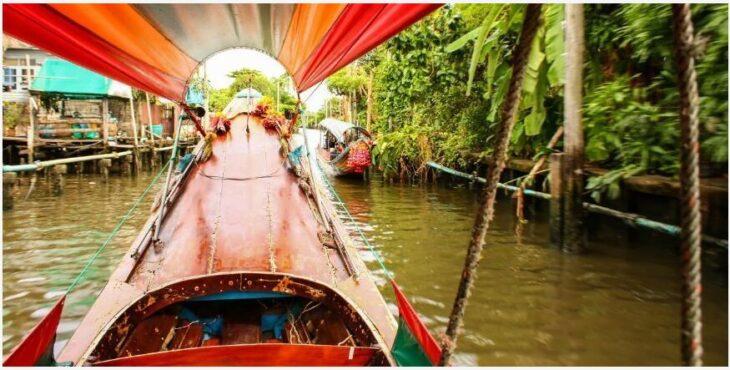 Cruise along the canals of Bangkok
