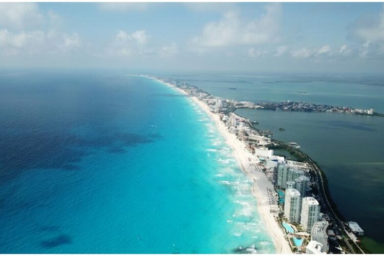 View over the beach of Cancun